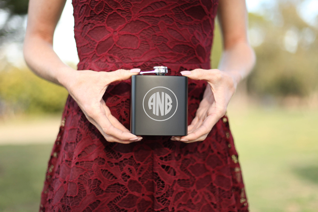 Grpn AU/NZ - Personalized Flask - Circle Monogram