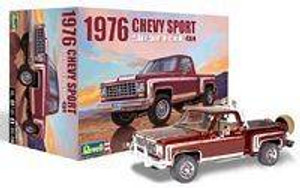 Revell 1/24 Revell 1976 Chevy Sport Stepside Pickup 4X4 Model Kit - 4486
