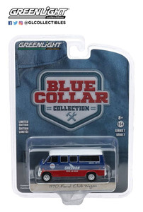Greenlight Greenlight 1/64 Chevron Service and Repair - 1970 Ford Club Wagon Chevron Courtesy Shuttle