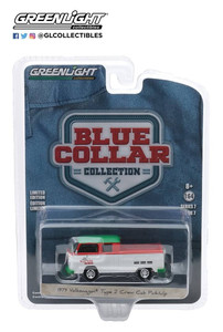 Greenlight Greenlight 1/64 Turtle Wax - 1979 Volkswagen Type 2 Crew Cab Pick-Up Doka