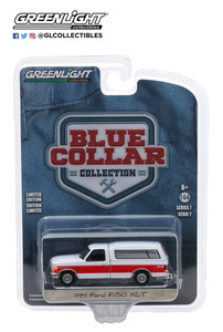 Greenlight Greenlight 1/64 1994 Ford F-150 XLT with Camper Shell in Red and White