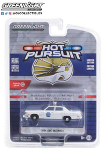 Greenlight 1/64 Greenlight Hot Pursuit Series 36 - 1974 AMC Matador - Milwaukee, Wisconsin Police Department Solid Pack