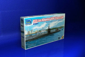 Riich Models 1/350 Scale USS Los Angeles 688 Class SSN w/DSRV-1 (3 in 1)
