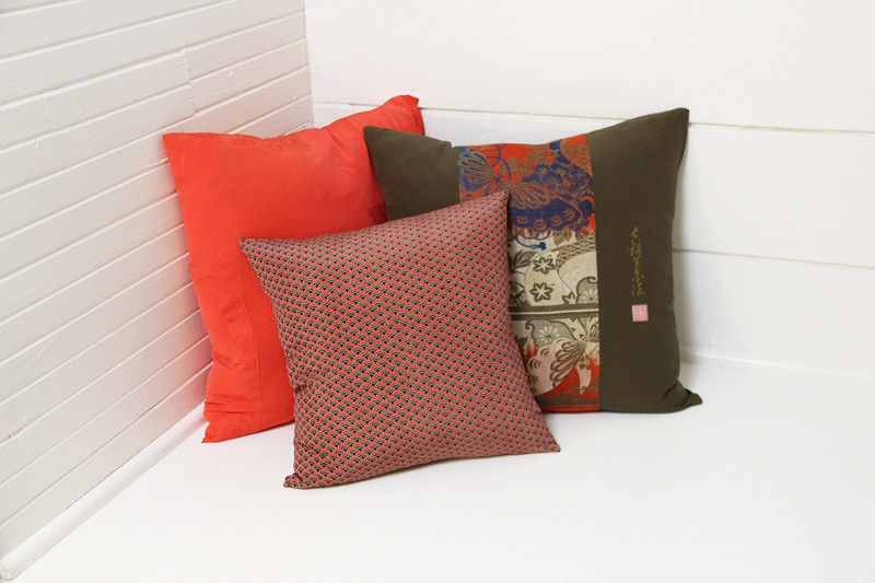 Royal Butterfly/Chop Pillow