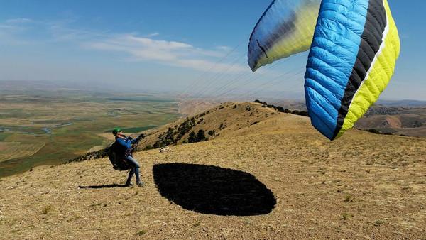 P2+ Paragliding Lesson - 3 Sessions