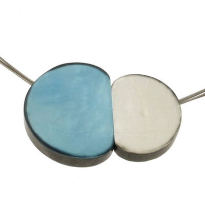 """""""Ocean Wave/White"""" Small Pebbles Magnetic Front Lock Necklace"""