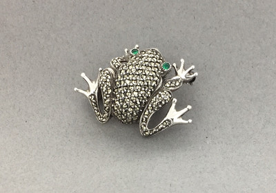 Marcasite w/ Frog Green Agate Pin
