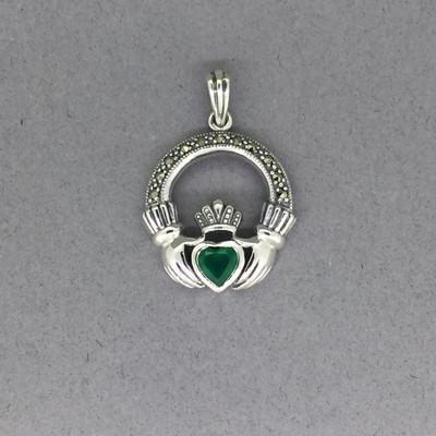 Claddagh Pendant w/Green Agate