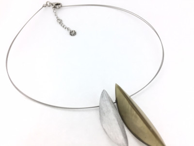 Palm Green Textured Aluminum/Resin Necklace