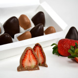 Chocolate Covered Strawberries (PRE-ORDER / IN-STORE PICKUP ONLY)
