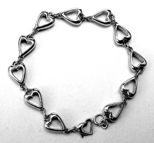Queen of Hearts sterling silver heart link bracelt.