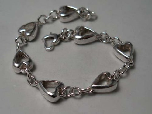 Seven of Hearts Link Bracelet in solid sterling silver