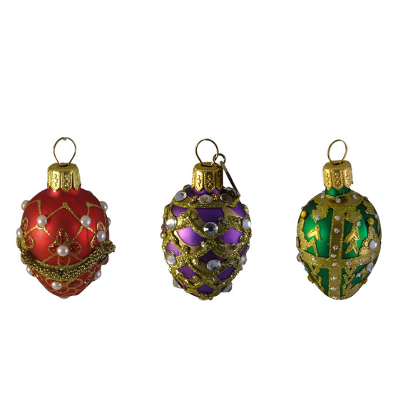 hand blown glass with pearl ornament
