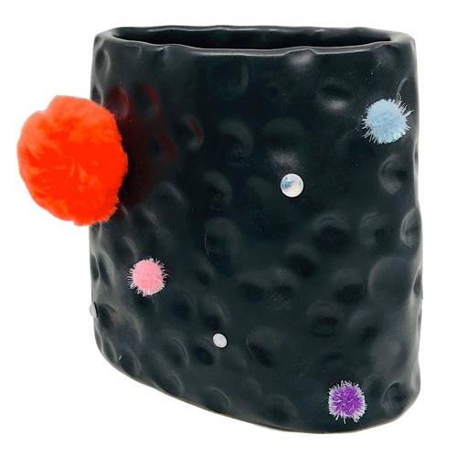 Silly Vase / Jessika Edgar