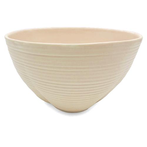 Bowl / Harriet Caslin