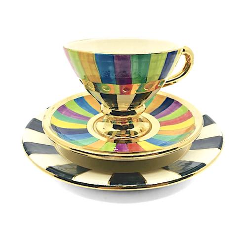 Tea Set / Julia Roxburgh