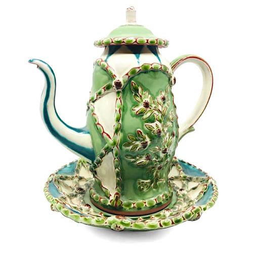 Teapot / Kathryn Finnerty