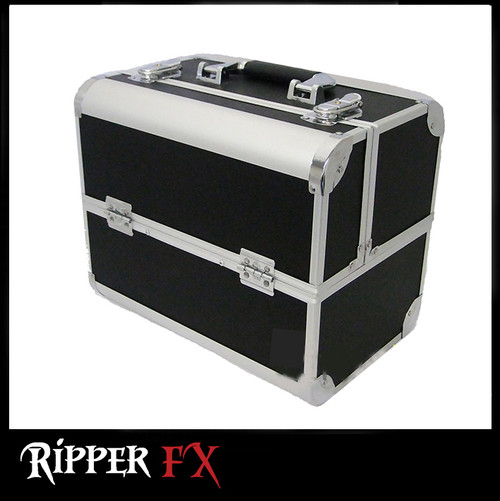 Case 09 Black and Silver