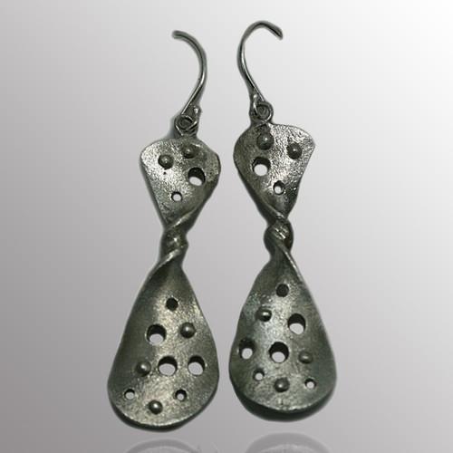 Silver drop earrings.  13X36mm.