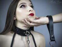Leather Grip Chain Leash