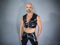 Men's Cropped Vest