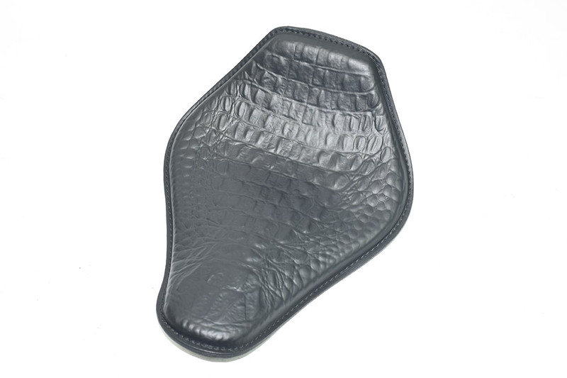 Black Snub Nose Embossed Alligator 10 x 13 Spring Solo Seat