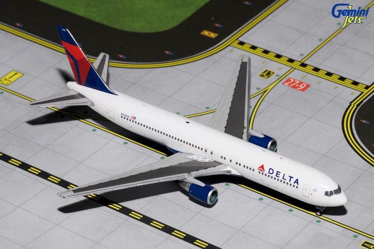 Gemini Jets DELTA B767-300 N143DA GJDAL1655 1:400