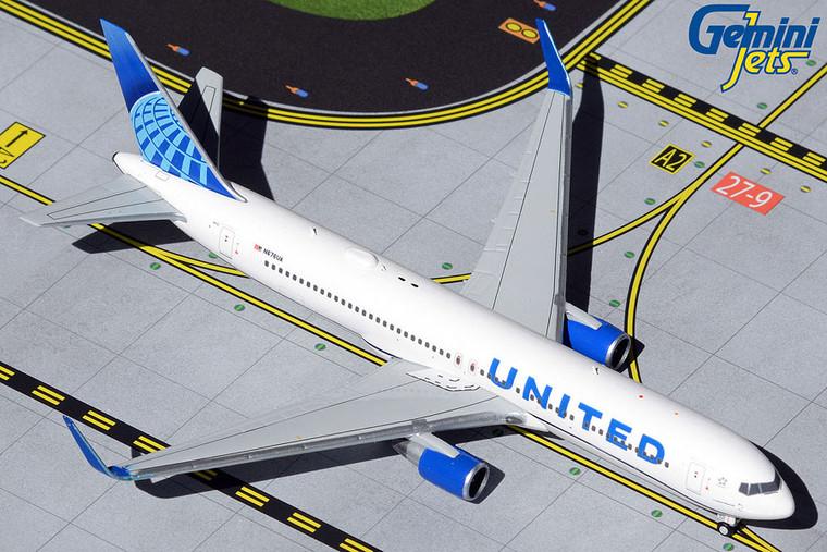 Gemini Jets United Airlines B767-300ER N676UA (new livery) GJUAL1921 1:400