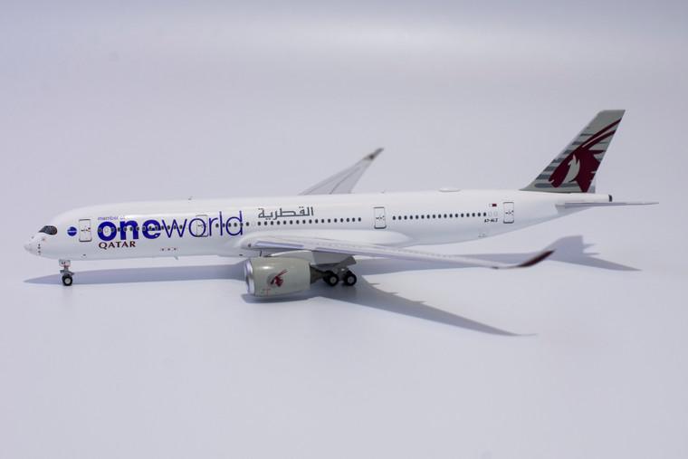NG Model Qatar Airways One World A350-900 A7-ALZ 39012 1:400