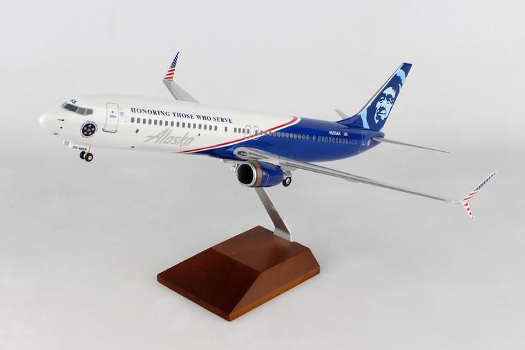SKYMARKS ALASKA 737-900 VETERANS W/WOOD STAND & GEAR SKR8267 1:100