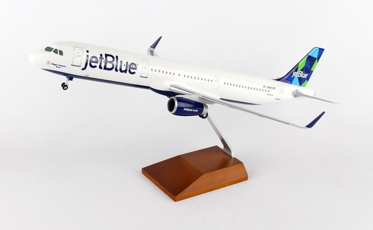 SKYMARKS JETBLUE A321 PRISM W/WOOD STAND & GEAR SKR8321 1:100