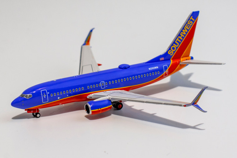 NG Model Southwest Airlines Canyon Blue livery (new moulds) 737-700/w N252WN 77002 1:400