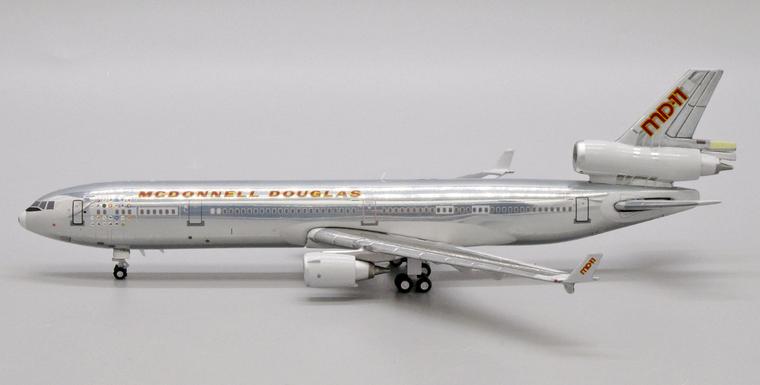 "JC Wings McDonnell Douglas MD-11 N111MD ""House Color"" JC4MCD668 1:400"
