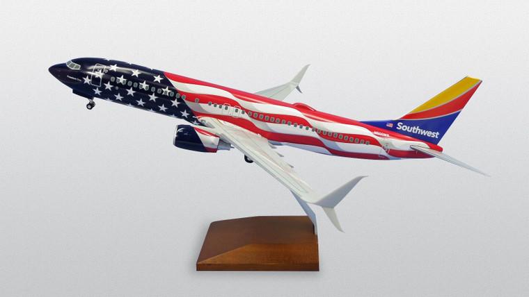 SKYMARKS SOUTHWEST 737-800 FREEDOM ONE W/WOOD STAND & GEAR SKR8288 1:100
