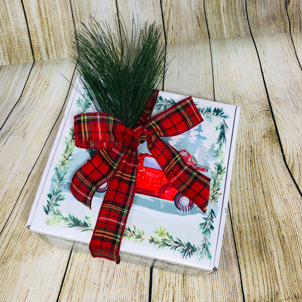 Farmhouse Holiday Gift Mailer