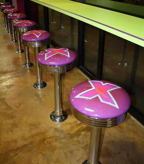 Logo Diner Post Stools