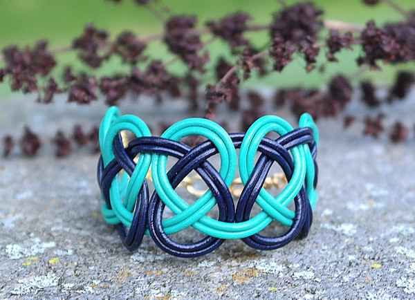 Midnight Blue & Teal  Double Coin Knot