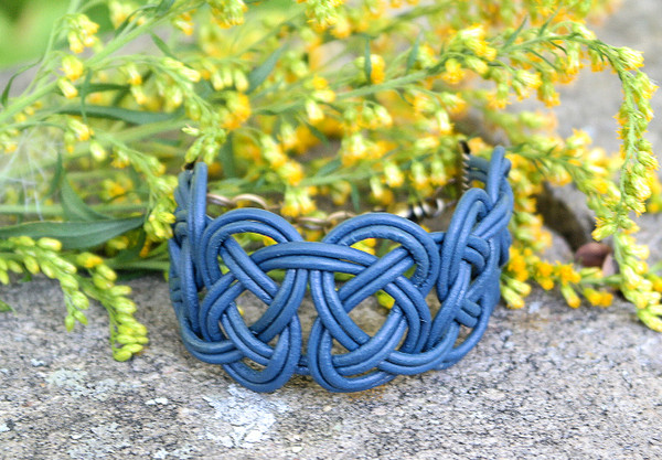 Double Coin knotted bracelet in Indigo Blue leather. Antique brass lobster clasp and jump rings create an adjustable size closure.