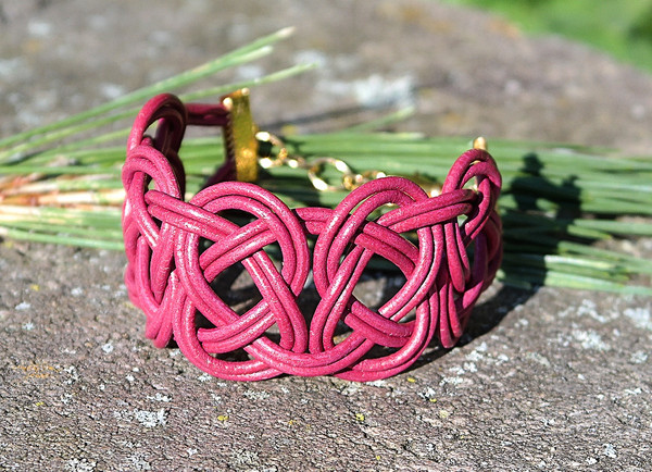 Magenta  Double Coin Knot leather bracelet