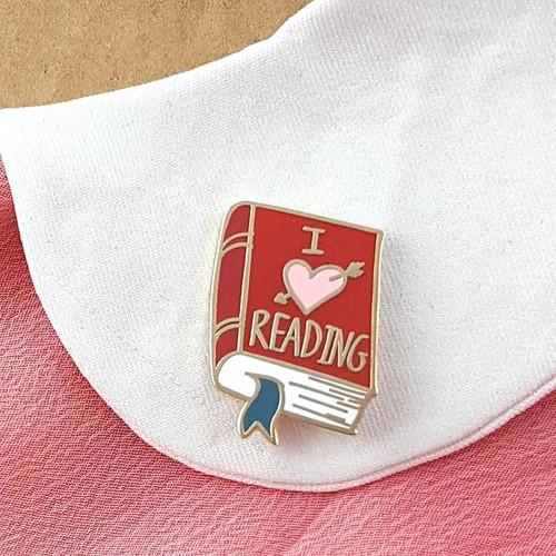 Jubly Umph Lapel Pin - I (heart) Reading