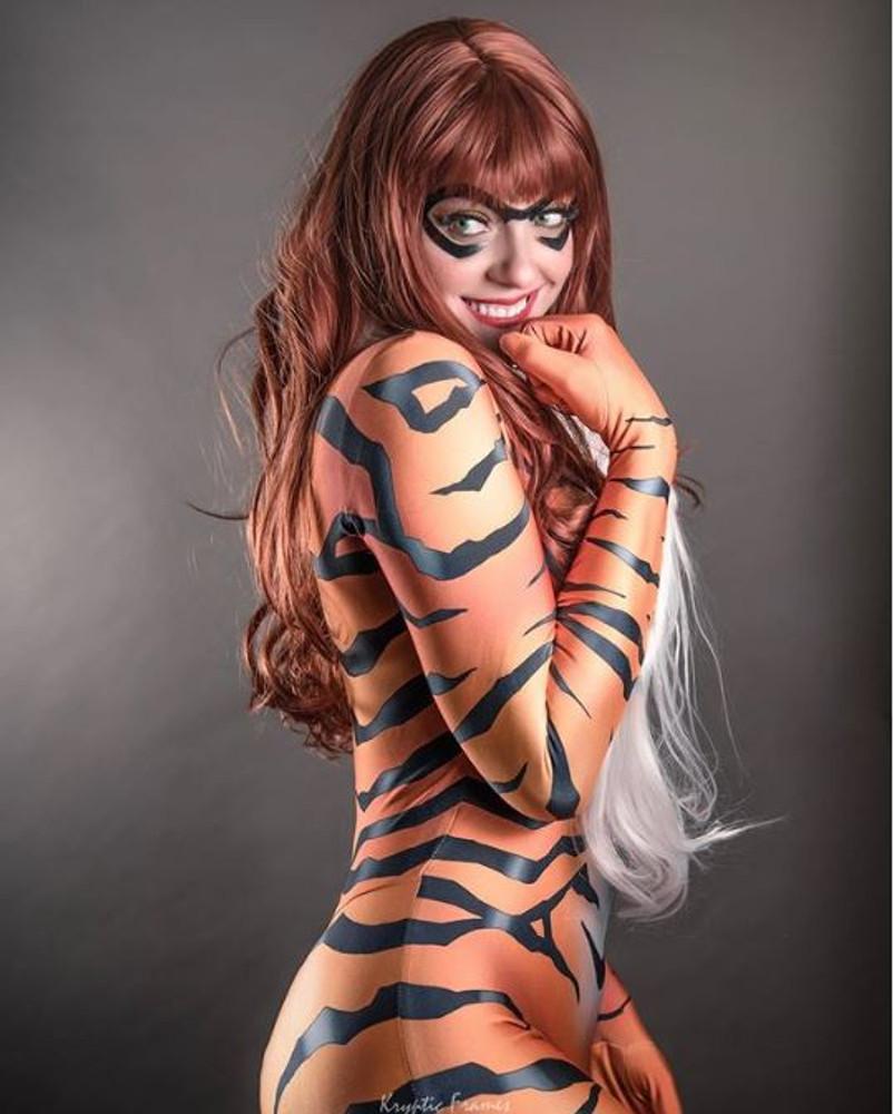 Red Cat Mask Model: whoanerdalert (Photo: krypticframes)