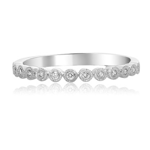 Round Diamond Milgrain Band