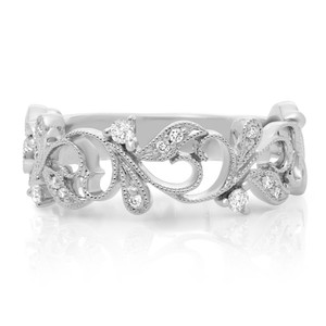 WHITE GOLD AND DIAMOND FILIGREE RING