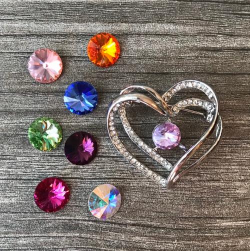 Heart Brooch, 25 colors