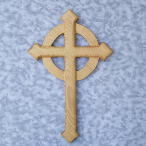 Celtic Christian Pointed Cross - Cross Aiguise - Pointed Passion Cross