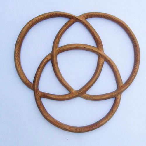 Celtic Knot of Three Circles wood carving by Signs of Spirit.