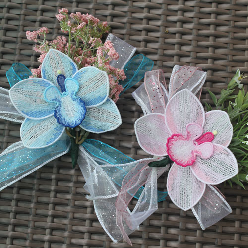 Freestanding Lace Corsage