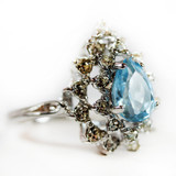 Vintage Victorian Style Ring Aquamarine and Clear Swarovski Crystals 18k White Gold Electroplated