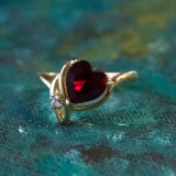 Vintage Ruby Swarovski Crystal Heart Ring 18k Yellow Gold Electroplated Made in USA R2339