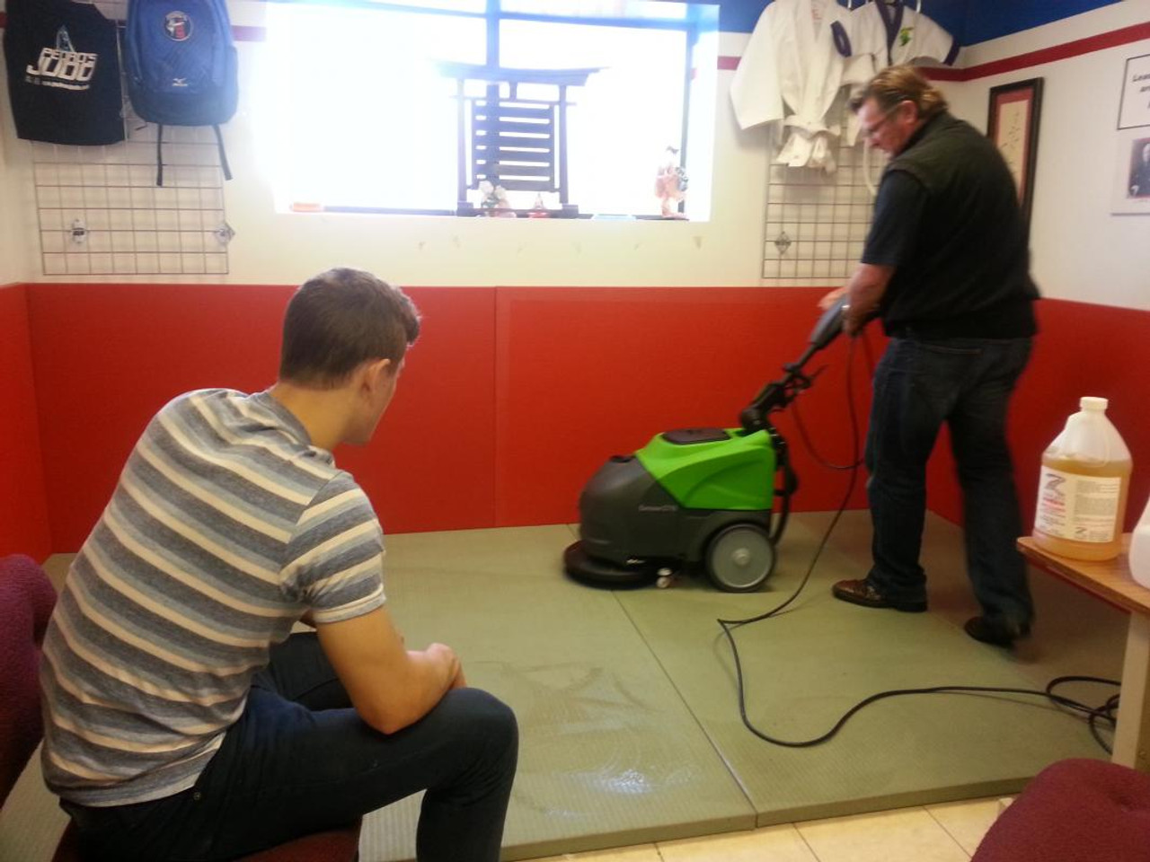 Using the CT15 with microfiber pads to clean Judo mats.